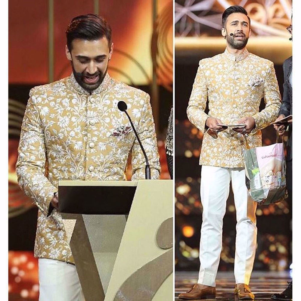 Picture of ALI REHMAN KHAN HOSTING HUM AWARDS IN OUR FINEST COUTURE