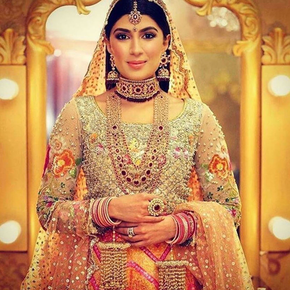 Picture of HERMAINE KHAN WAS ABSOLUTE PERFECTION ON HER MEHNDI WEARING A GORGEOUS NUMBER BY NOMI ANSARI