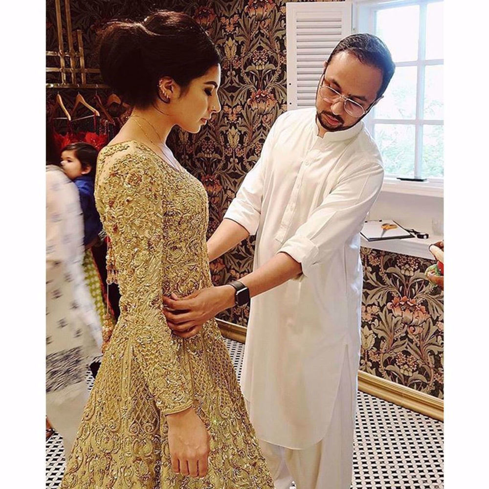 Picture of BRIDAL FITTING WITH NOMI-ANSARI