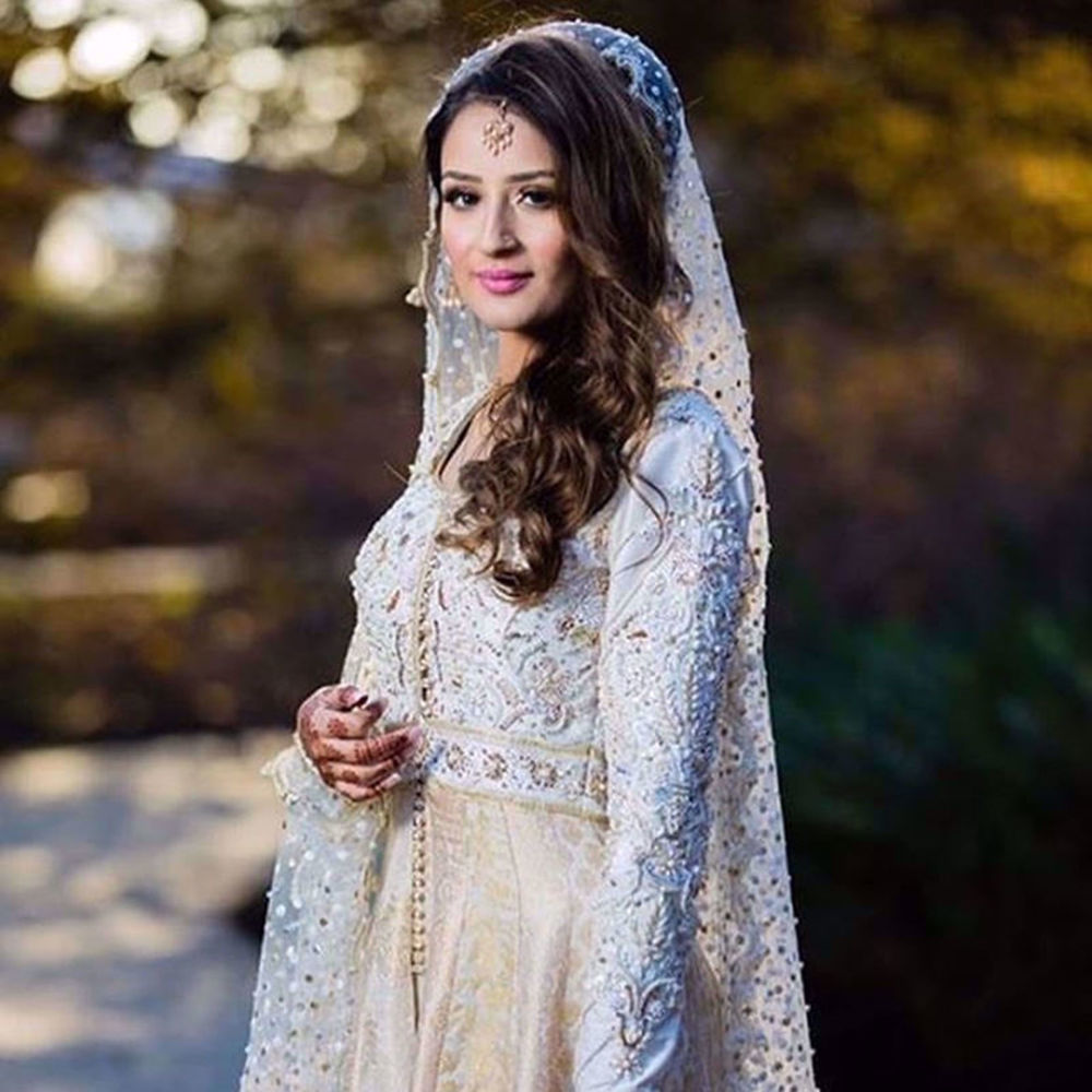 Picture of ERUM HUSSAIN LOOKING BEAUTIFUL IN A NOMI ANSARI COUTURE