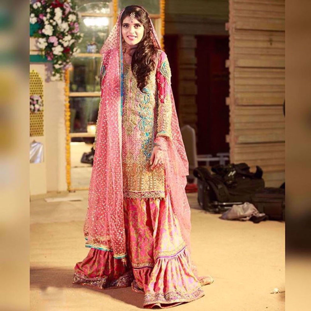 Picture of A PRETTY BRIDE IN PINK SHERBET