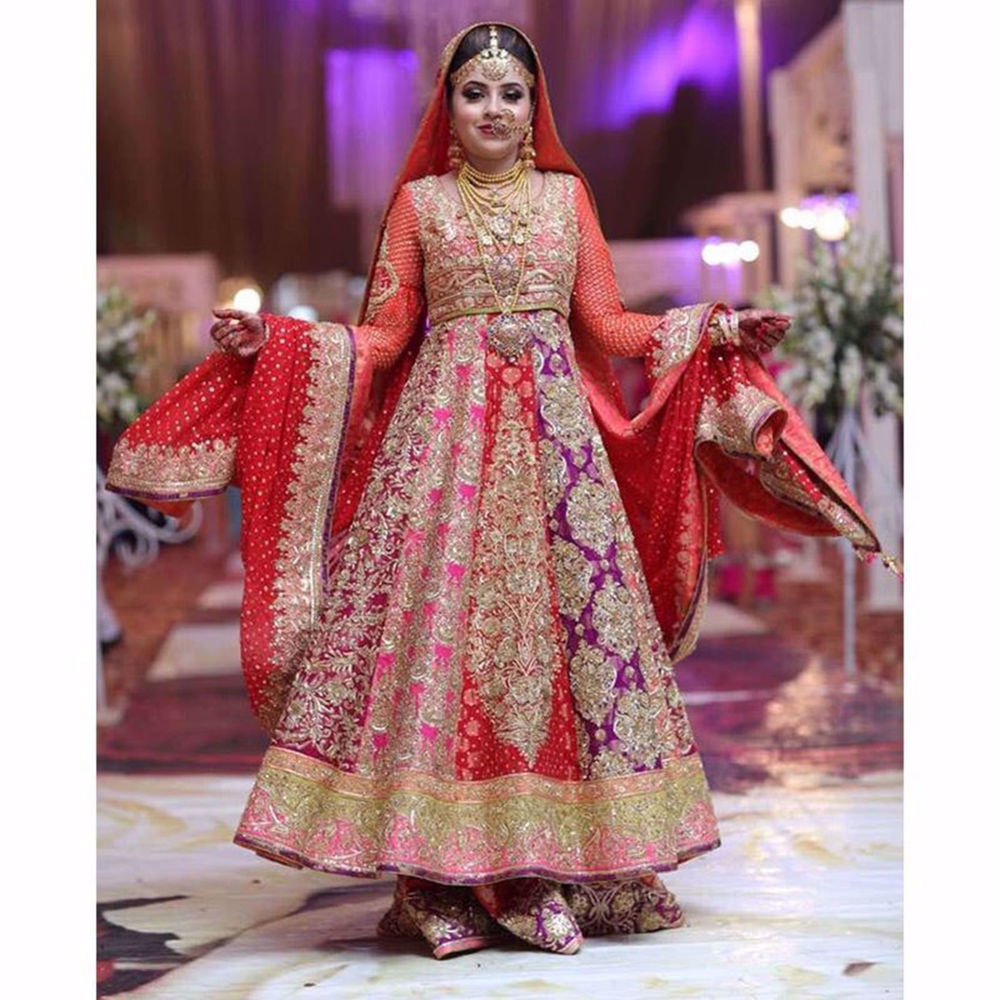 Picture of GORGEOUS BRIDE IN THIS BEAUTIFUL BRIDAL