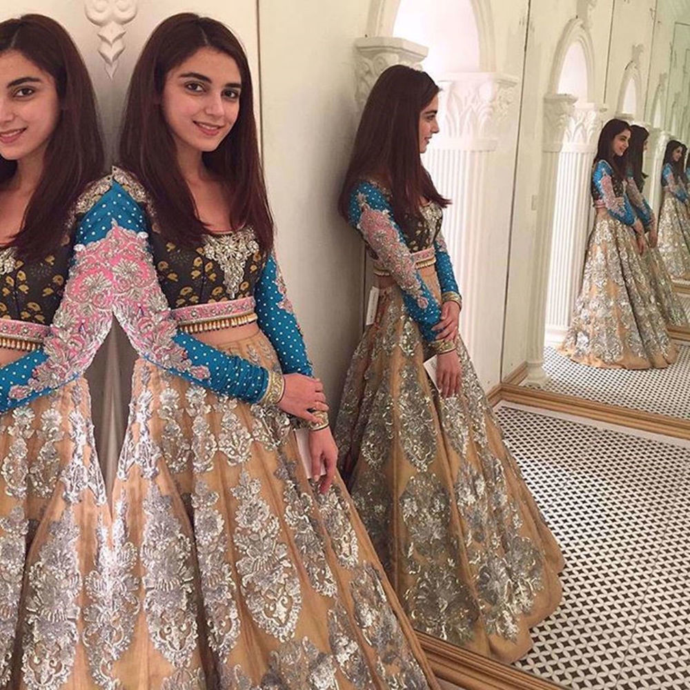 Picture of MAYA ALI LOOKING GORGEOUS IN STERLING