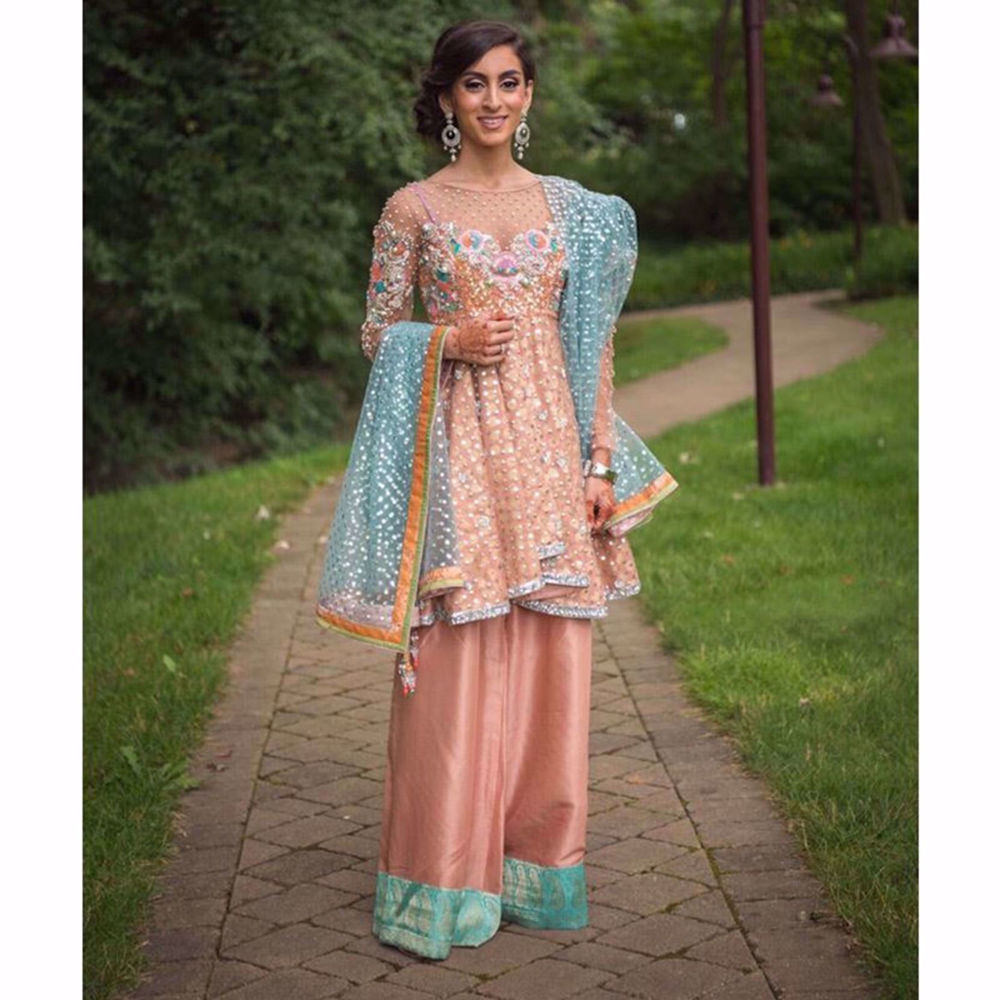 Picture of NOOR ISMAIL IN A CUSTOM OUTFIT BY NOMI ANSARI (2)