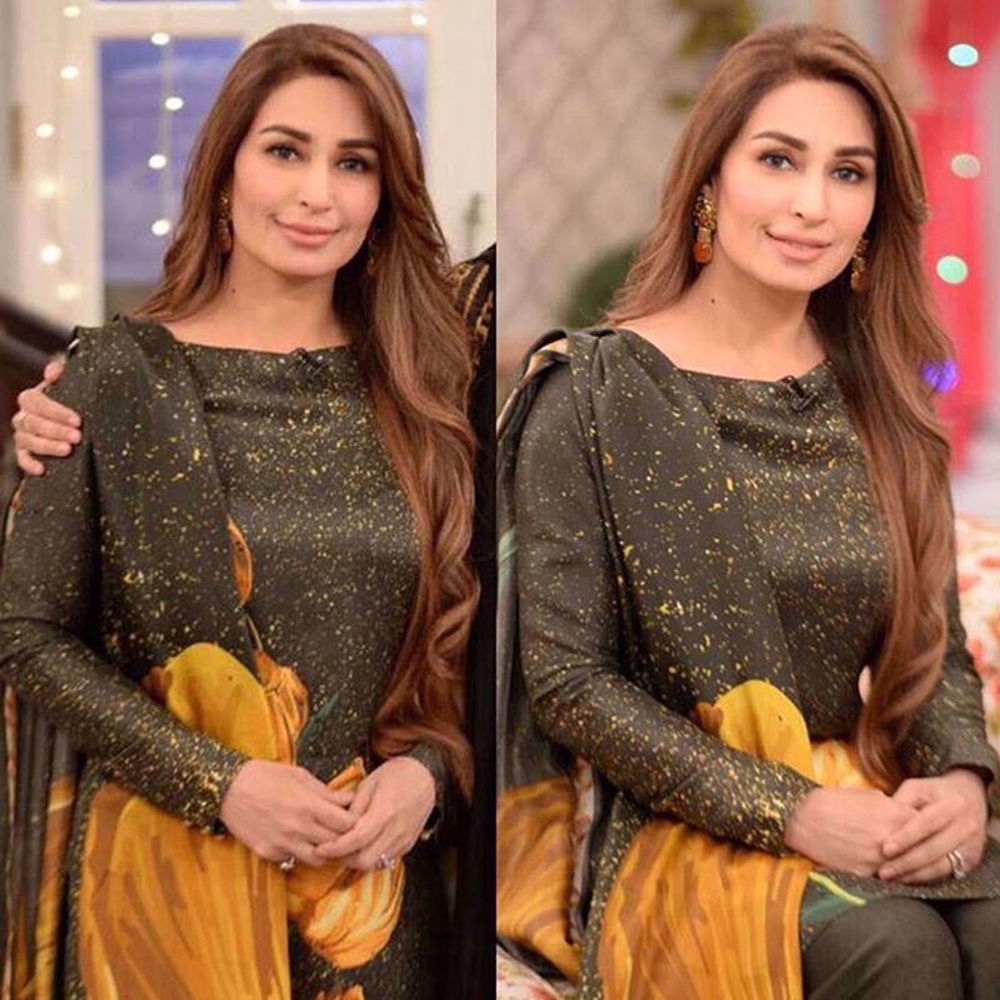 Picture of REEMA KHAN DAZZLES IN GOLD TULIP