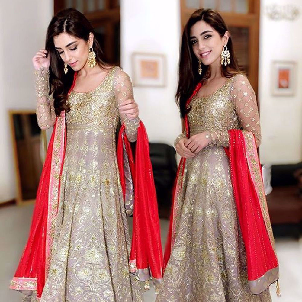 Picture of Maya Ali in an elegant ash grey Anarkali with a red Mukesh Duppata- A true reflection of #NomiAnsari's ingenuity!!