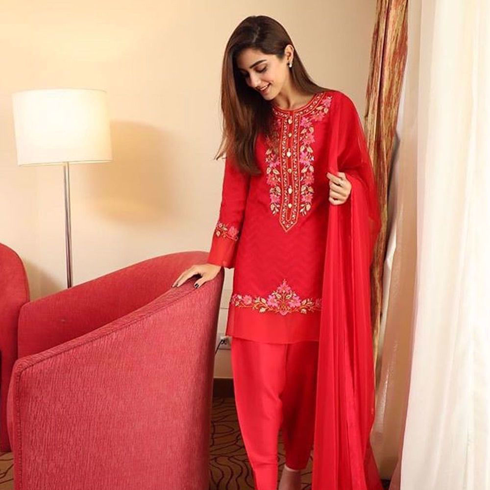 Picture of Maya Ali in signature handcrafted piece by Nomi Ansari.