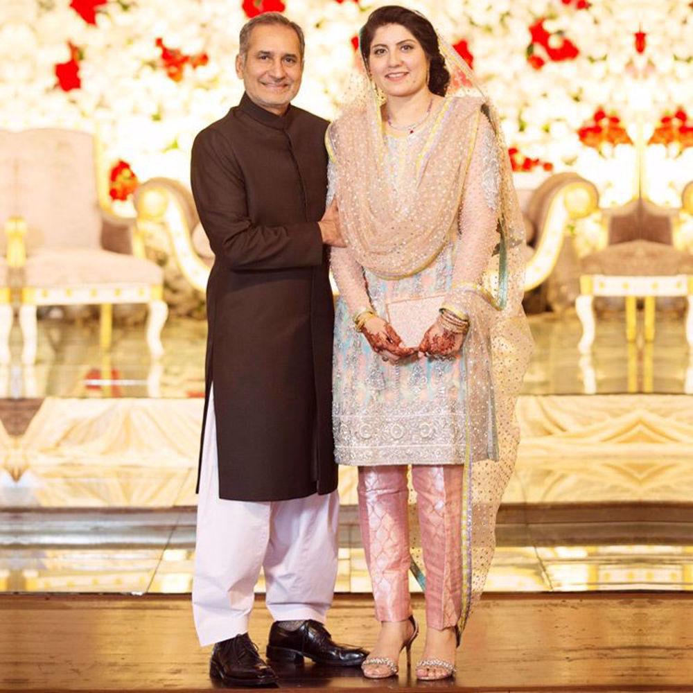 Picture of Uzma Khan wearing a signature Nomi Ansari formal