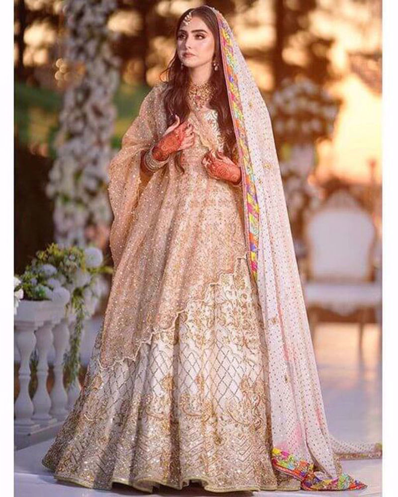 Picture of The sun shines bright on Komal Baig and her beautiful white bridal